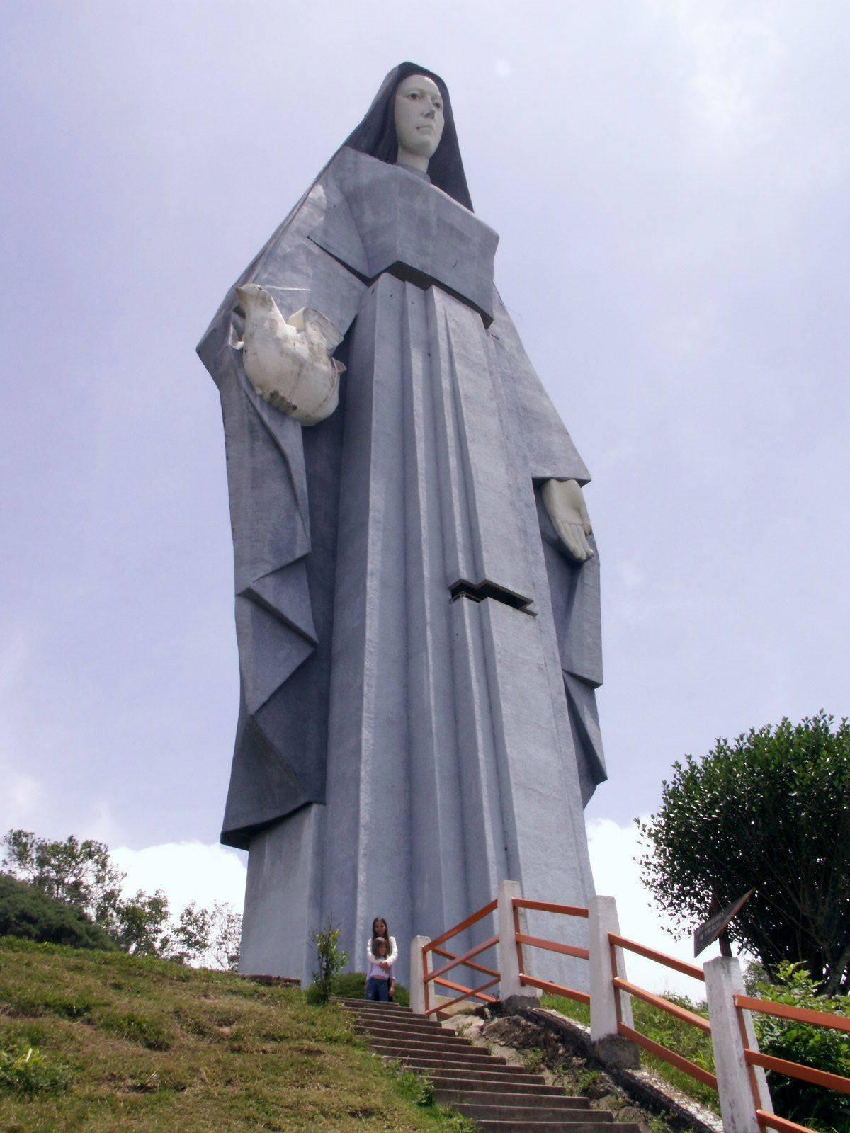 Vierge de la paix