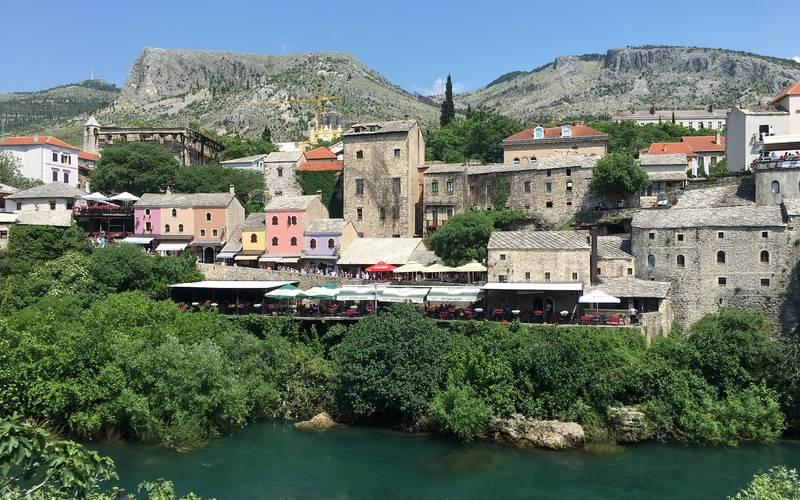 Mostar, au bord de la Neretva