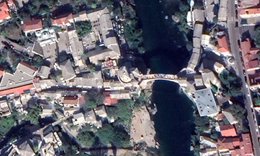 Vue aérienne du pont de Mostar