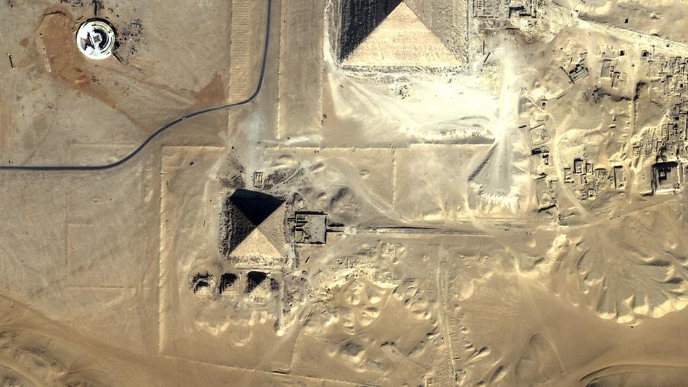 Vue aérienne de la pyramide de Mykérinos (cliquez pour agrandir)