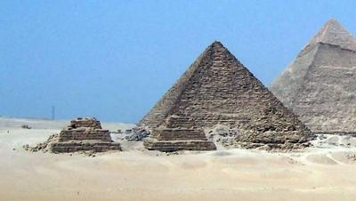 Pyramides annexes de Mykérinos (cliquez pour agrandir)