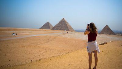 Touriste au plateau de Gizeh