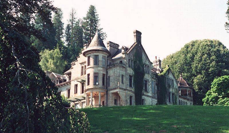 Chateau de Montmery