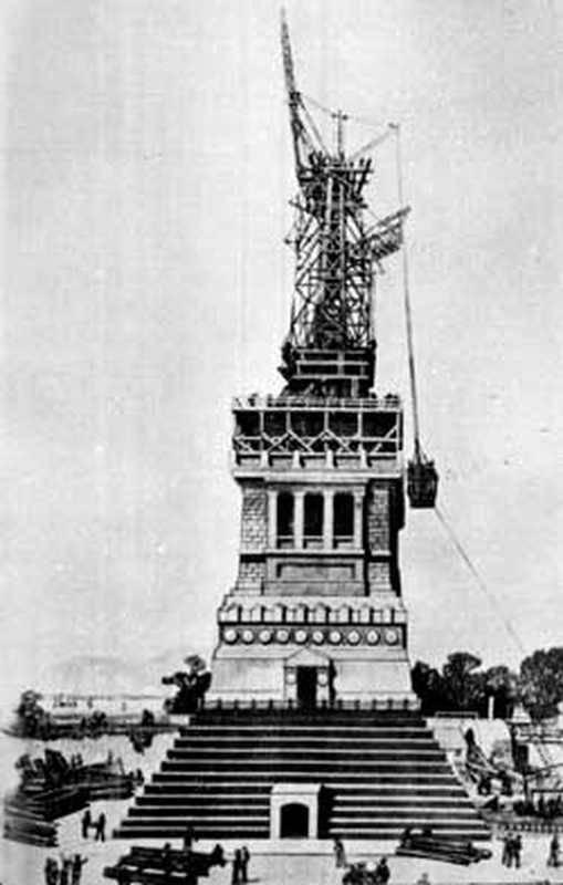 Montage de la statue