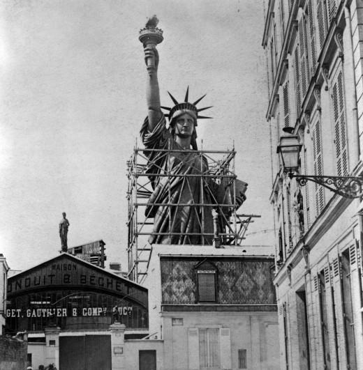 Structure de la statue à Paris