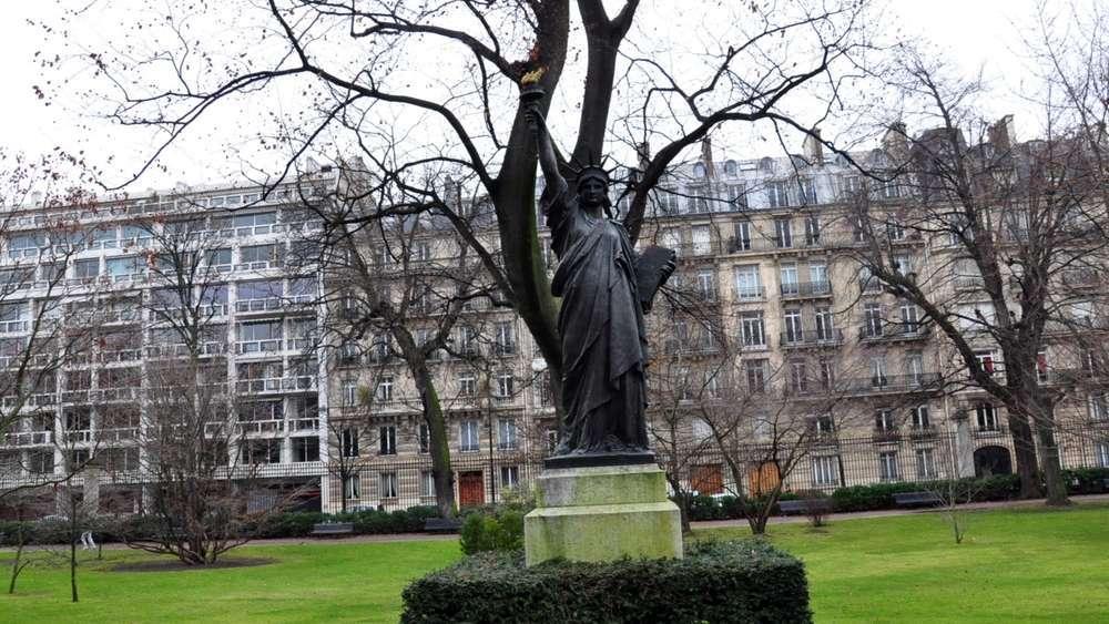 Photos de la statue de la libert - Jardin du luxembourg statue de la liberte ...