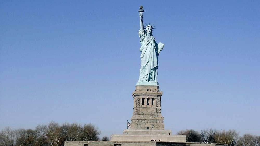 Photos de la statue de la libert for Les monuments les plus connus du monde