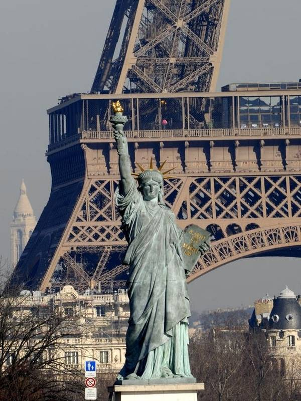 Super Copies, répliques et reproductions de la statue de la Liberté en  AJ96