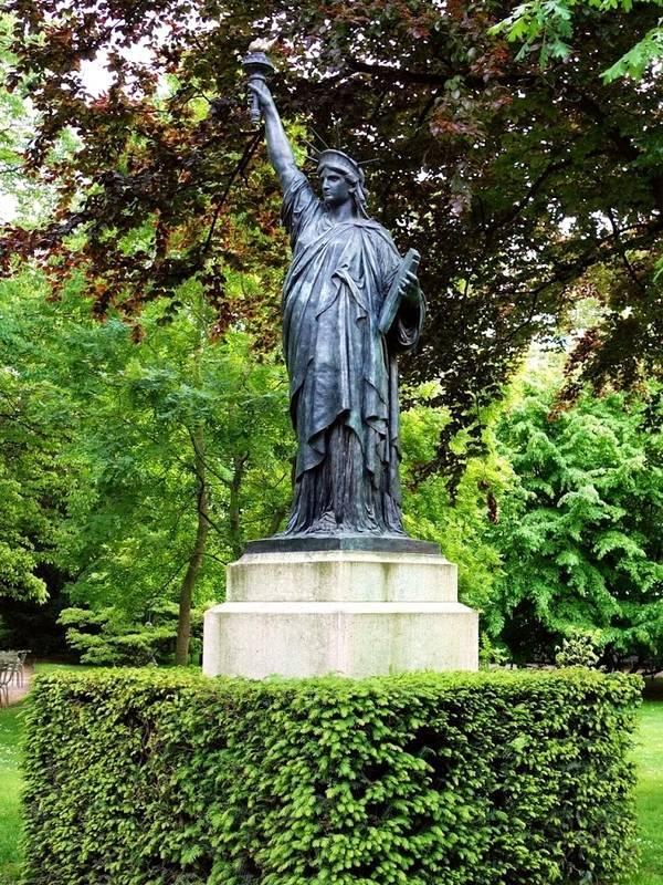 Copies r pliques et reproductions de la statue de la - Statue de la liberte jardin du luxembourg ...
