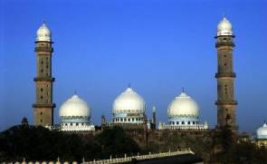 La Taj-Ul-Masjid