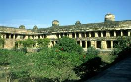 Le Man Mandir Palace