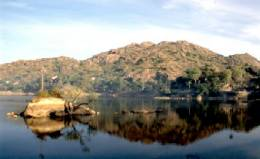 Le lac Nakki