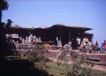 Le temple aux mille piliers