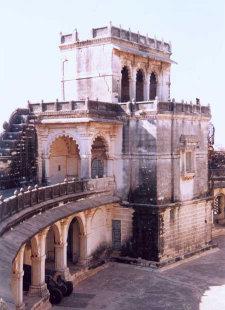 Le Lakhota Palace