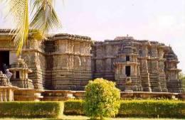 Le temple de Hoysaleswara