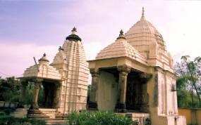 Les temples du secteur Ouest : Adinath