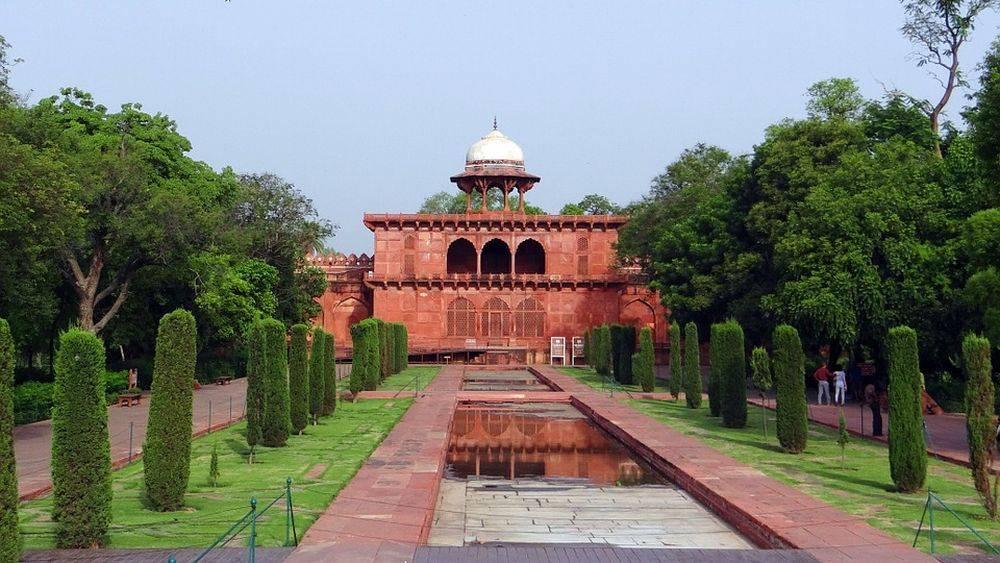 Extérieur du musée du Taj Mahal