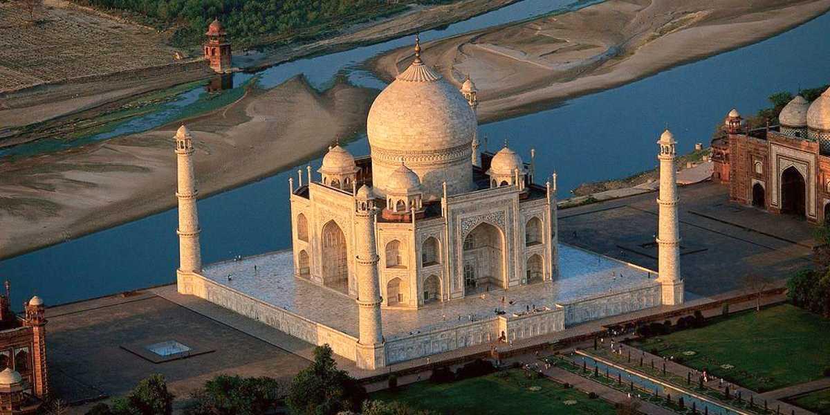 Le Taj Mahal en vue aérienne