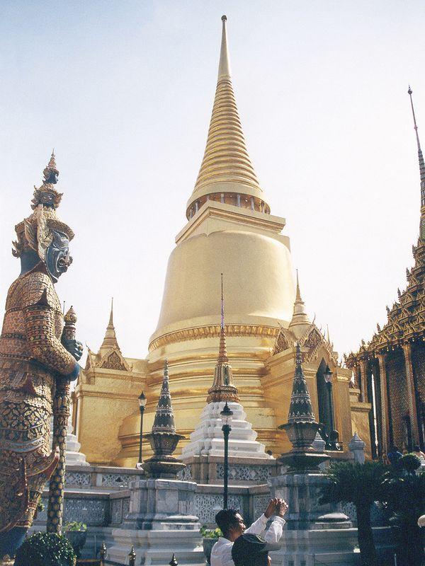 Le Phra Si Ratana chedi