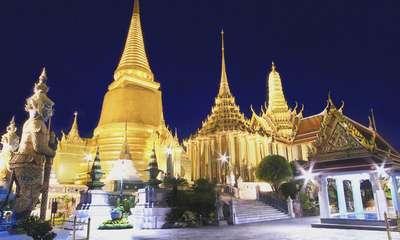 Temple du Bouddha d'émeraude la nuit