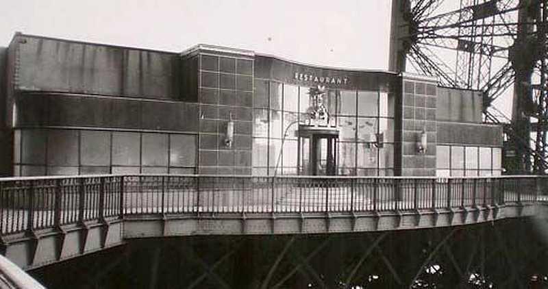 Restaurant de la tour Eiffel en 1937