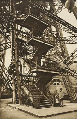 Escalier au XIXe siècle