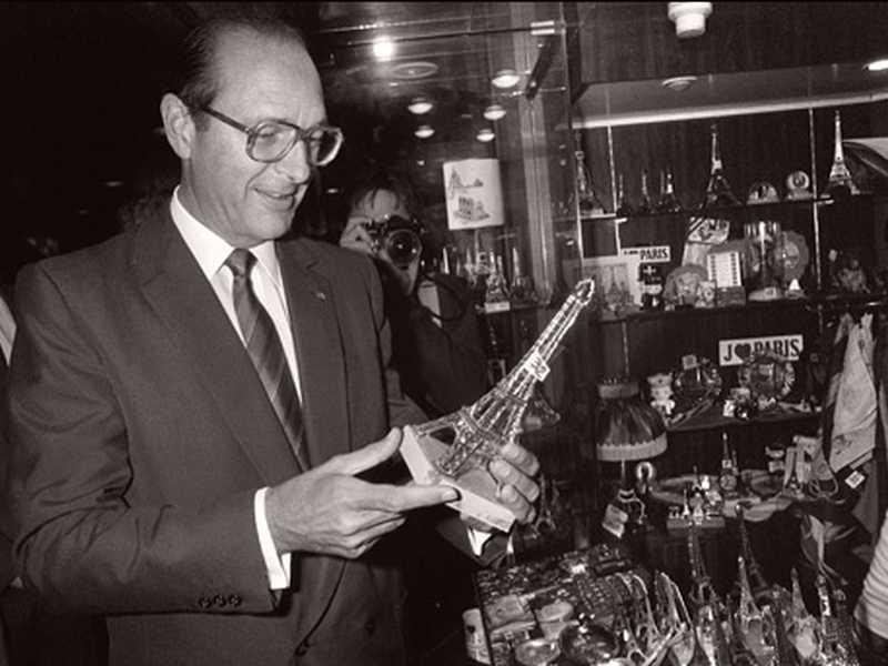 Jacques Chirac inaugurant la tour Eiffel