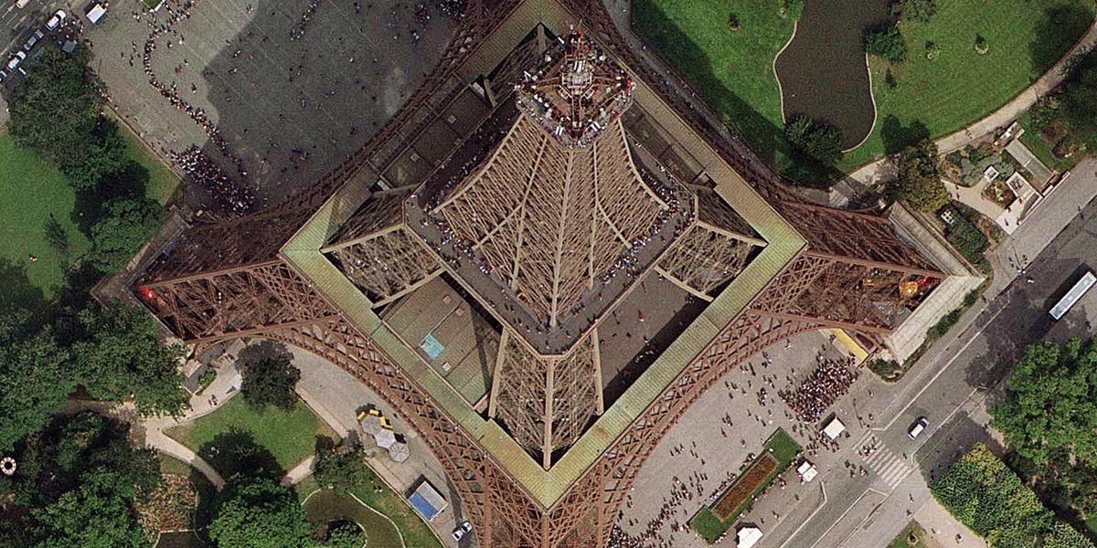 Vue aérienne de la tour Eiffel