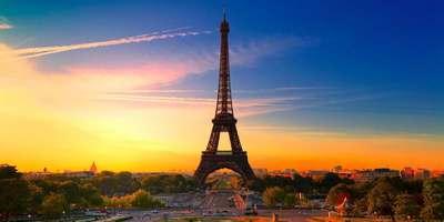 La tour Eiffel, le soir