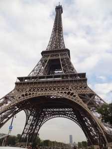 La tour Eiffel vue de près