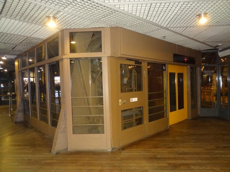Arrivée de l'ascenseur du 1er étage
