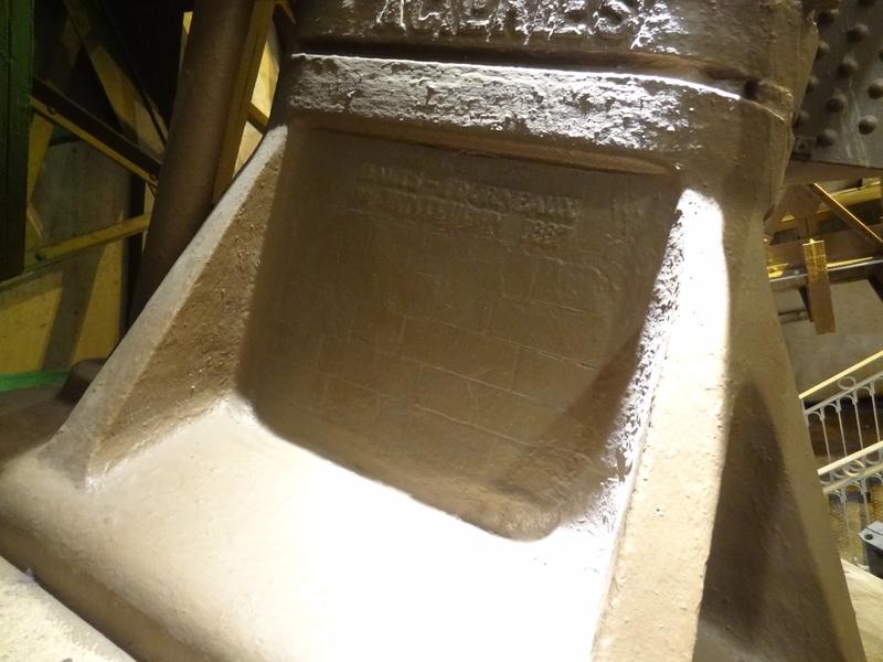 Inscription indiquant les hauts-fourneaux