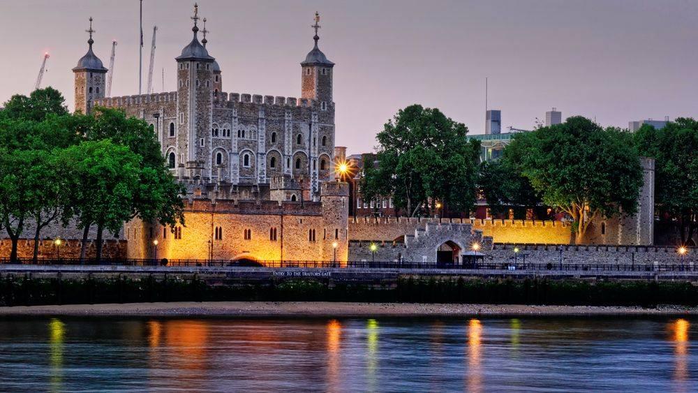 La tour de Londres, le soir
